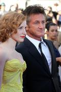th_91166_Tikipeter_Jessica_Chastain_The_Tree_Of_Life_Cannes_092_123_208lo.jpg