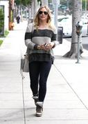 http://img272.imagevenue.com/loc375/th_707558215_Hilary_Duff_Beverliz_Cafe_in_Beverly_Hills14_122_375lo.jpg