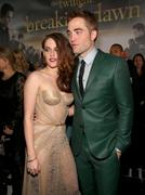 http://img272.imagevenue.com/loc549/th_911740630_The_Twilight_Saga_Breaking_Dawn_Part_2_LA_Premiere10_122_549lo.jpg